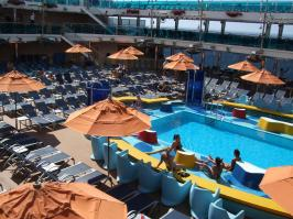 Carnival Dream - Main Pool