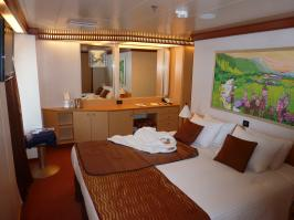 Carnival Dream cabin 6477 - Bed and Dressing Area