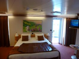 Carnival Dream cabin 6492 - Bed TV And Balcony Door