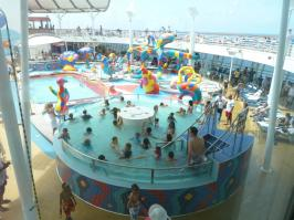 Royal Caribbean Oasis of the Seas - Kids lazy river pool