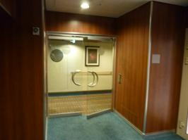 Royal Caribbean Oasis of the Seas - Loft Suites Private Entrance