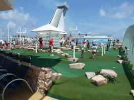 Royal Caribbean Oasis of the Seas - Mini Golf